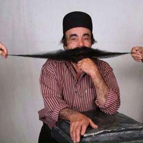 درازترین سبیل مالِ این مرد بوشهری است